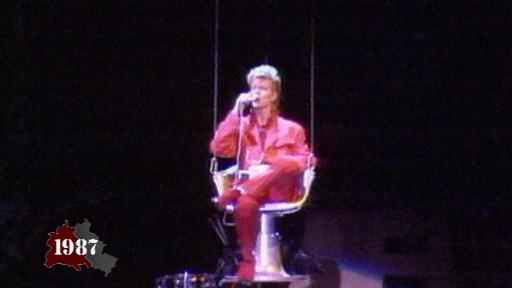 David Bowie plays Berlin